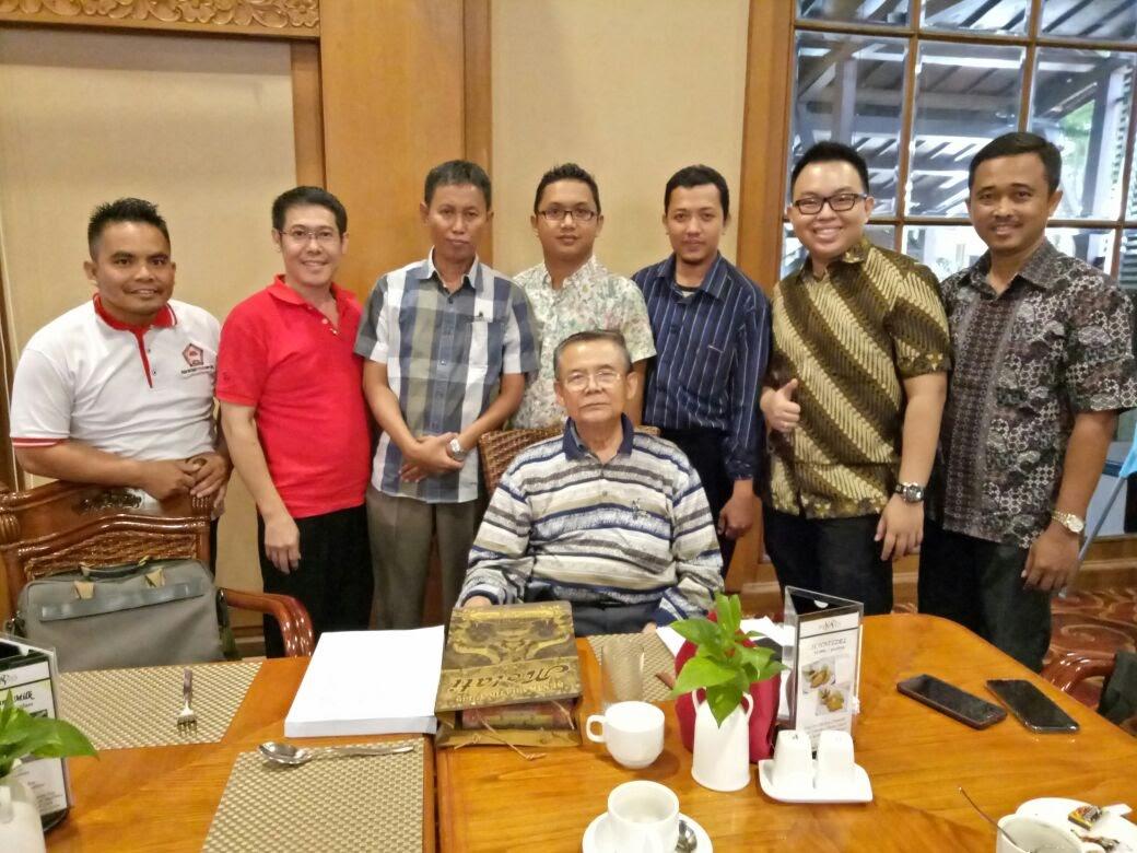 Keluarga Besar KOMPASS Setelah Sharing Ilmu
